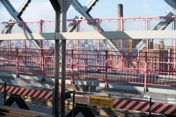 All of Williamsburg Bridge in a shot